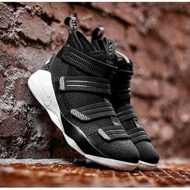 耐克 男鞋LEBRON SOLDIER XI SFG EP勒布朗男子篮球鞋 897647