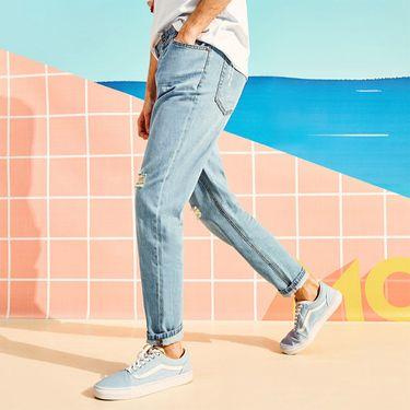 A21 破洞牛仔裤男夏季新款2018纯棉休闲时尚男生小直筒裤青年男裤4821010000