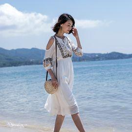 雅可希 2019夏季新款泰国民族风刺绣连衣裙中长款显瘦海边度假沙滩裙8349
